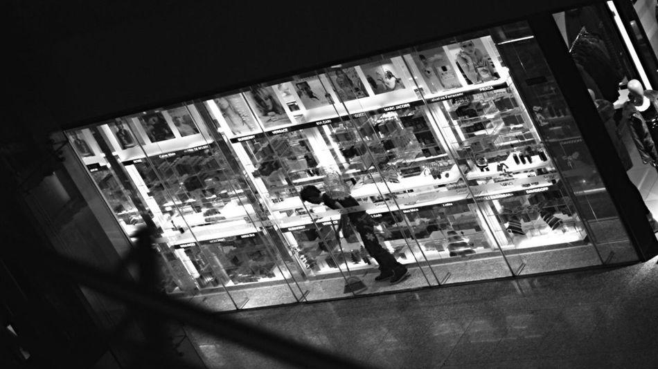 Monochrome Discover Your City Streetphotography OpenEdit The Human Condition Hello World City Streetphoto_bw