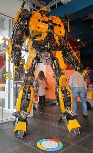 Transformer, Bumblebee Tranformer Robot BIG Metal Metal Sculpture Movıe Believeitornot Believe It Or Not Paint The Town Yellow