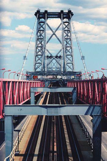 Williamsburg bridge against sky