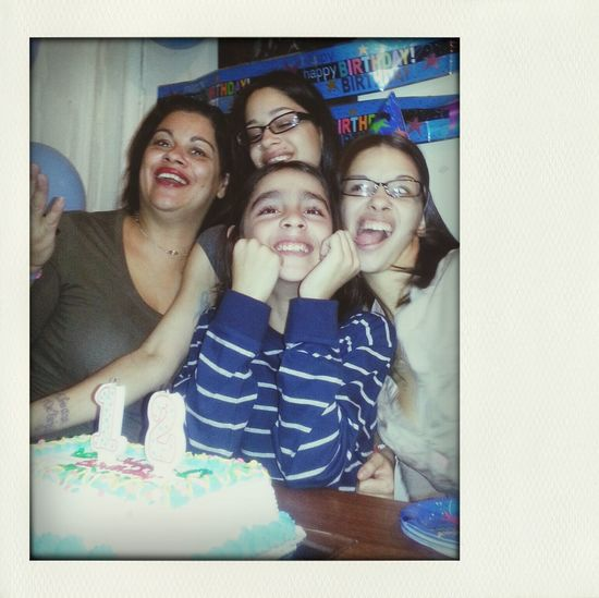 .. Southern Blvd Taking Photos Hello World That's Me Milton n my 2 Sisters on my B'day 11/29/13.