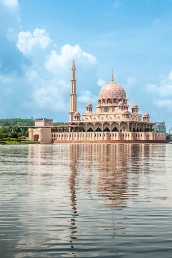 Water Reflections Water_collection Beautiful Places Around The World Rituals & Cultural Religion Mosque Seeing The Sights Putrajaya Mosque ... Double :)