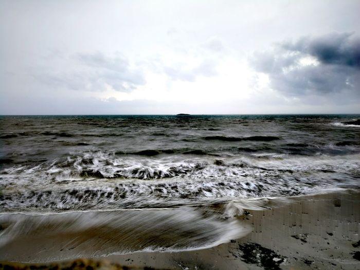 Bretagne Huaweiphotography Dramatic Sky Tempête Carmen Ocean Sea Cloud - Sky Nature Beach Horizon Over Water Scenics Landscape Tranquility Water Horizon Tranquil Scene