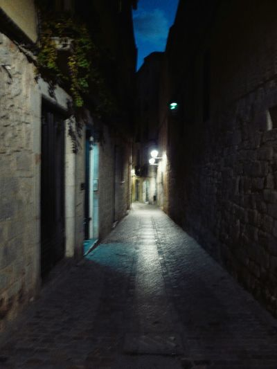 Girona Medieval Dusk Street At Dusk Lights And Shadows Anochece Calles Medievales To Get Lost Para Perderte My Photo