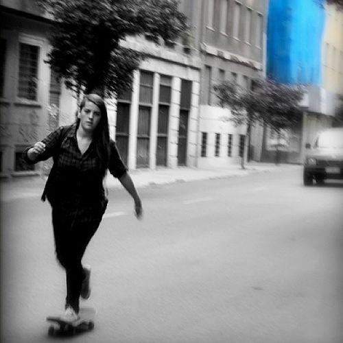 Skater girl Skater Skate Skateboard Skaters Skatergirl Gir Awesome Surf Surfing Extreme Phototheday Streetphoto Streetart Blackwhite Byw Monochrome Monoart Monochromeart