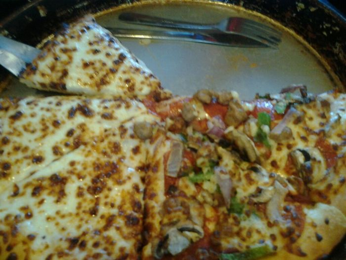 Mmmmm this pizza was delicous yummy