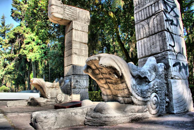 Serpiente emplumada, el dios Quetzalcóatl redefinida por diseñadores contemporáneos en el icónico Parque Hundido Ancient Civilization Aztec Aztec Inspired Culture Latin Latin America Mexico City Parque Hundido Precolonial Quetzalcoatl The Street Photographer - 2016 EyeEm Awards
