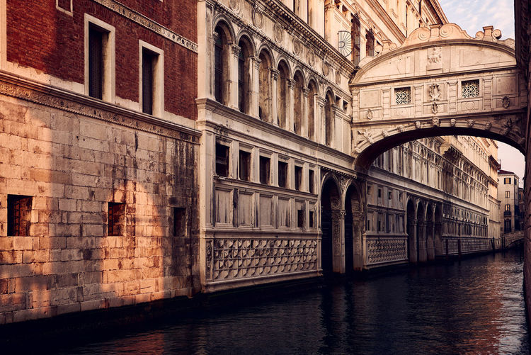 Bridge of Sights Architecture Bridge Of Sighs Building Exterior Built Structure City Cultures No People Outdoors Travel Travel Destinations Venezia Venice Venice, Italy Venise