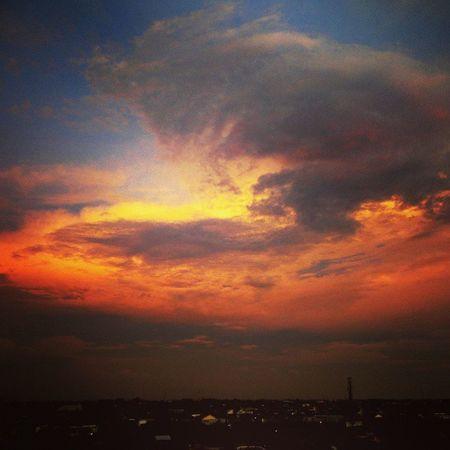 Sky Cloud Twilight Photooftheday Bestoftheday Picoftheday Instagram Instadaily Instamood Instagood Beautiful Livingworld Alamsutera INDONESIA Tarigallery Wonderfull
