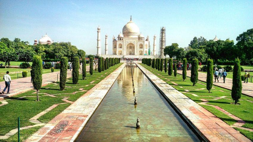 Taj Mahal, India, Wonder, Love, Mughals, Place Of Worship Shahjahan Mumtaj Architectural Feature Beautiful Creation ✌👌✌ Miles Away The Architect - 2017 EyeEm Awards The Photojournalist - 2017 EyeEm Awards