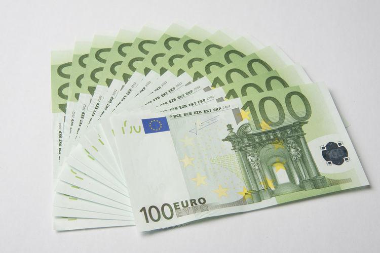 € Euro Paper