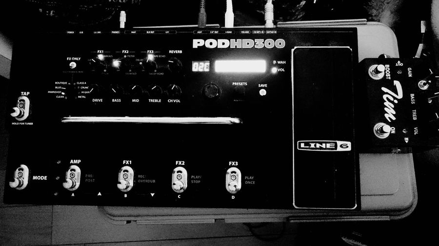 Effects pedal Effects Pedal EffectsUnit Cityscapes Black & White Light And Shadow Black And White Blackandwhite Monochrome Black&white EyeEm Bnw