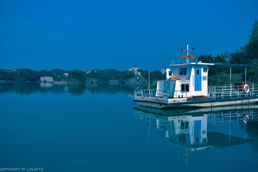 Water Tree Nautical Vessel Clear Sky Moored Lake Blue Reflection Harbor Sky Boat Houseboat Water Vehicle
