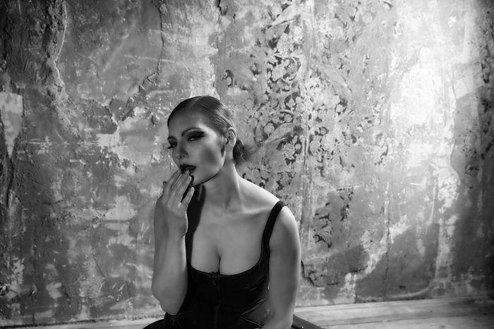 Mit Goldiul Women Of EyeEm Portrait Of A Woman EyeEm Girl EyeEm Best Shots - People + Portrait Pretty Woman Beautiful Woman Beautiful Girl Russian Girl B&W Portrait