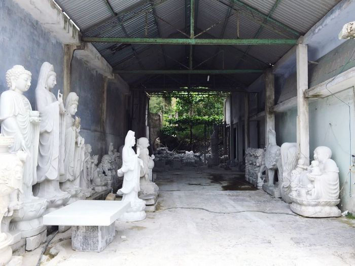 Vietnam Marble Manufacture Hall Storage Sculptures Figures Workshop White Dusty