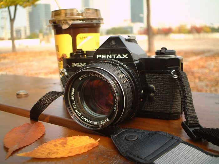 Camera - Photographic Equipment Photography Themes Lens - Optical Instrument Table Photographing Digital Camera Old-fashioned Camera Close-up Technology No People Indoors  SLR Camera Digital Single-lens Reflex Camera Day Let's Go. Together. I Want To Know Your Secret, C I Always Thinking About U, G Thank You,❤️ 감사합니다