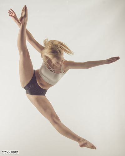 Dancing Graceful Dance Woman Blonde Dancer Strong Fit