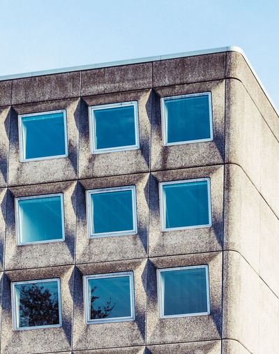Façade Minimalist Architecture The Graphic City Façade Modern Architecture Architecture Blue Brutalism Building Exterior Built Structure Day Low Angle View Minimalism Minimalobsession No People Outdoors Pattern Sky Window Windows Windows_aroundtheworld Colour Your Horizn