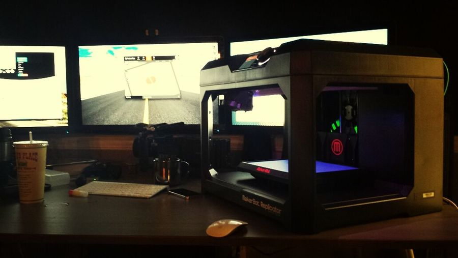 The imagination station. Dreambig 3dprinting MakerBot Replicator5 First Eyeem Photo