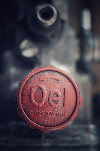 Oel Red Rot Oel Öl ölstutzen Arbeit Metall Auto Lkw Schlösser Metal No People Close-up Fire Hydrant Day Outdoors