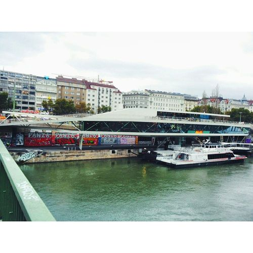 Gita Vienna - Budapest 🌂 Graffiti Metro Donau Danubio Fluss Austria Vienna Wien Österreich