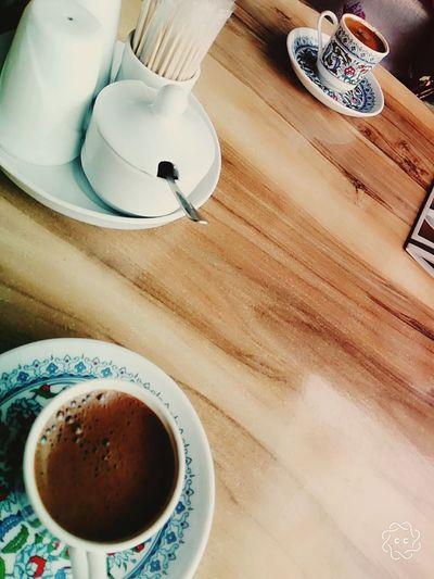Geleneksel Türk Kahvesi Turkishcoffee Drink Frothy Drink Plate Table Coffee - Drink High Angle View Coffee Cup Close-up Food And Drink