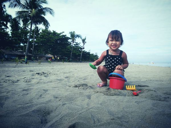 Mobile Photography Cute Childhood Leisure Activity Innocence Enjoyment Outdoors Vacations Everydayasia Everydayphilippines Sunnydaysaturday Eyeem Philippines Mobilephotographyph Eyeemph Chillin Portrait Everyday Joy