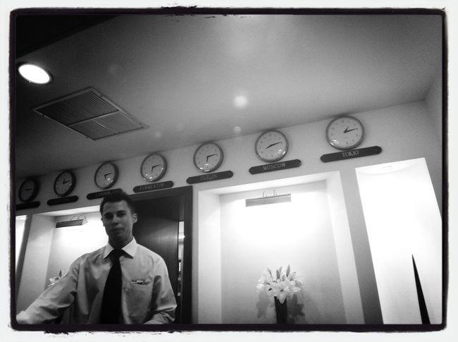 A quina hora vendra la novia?