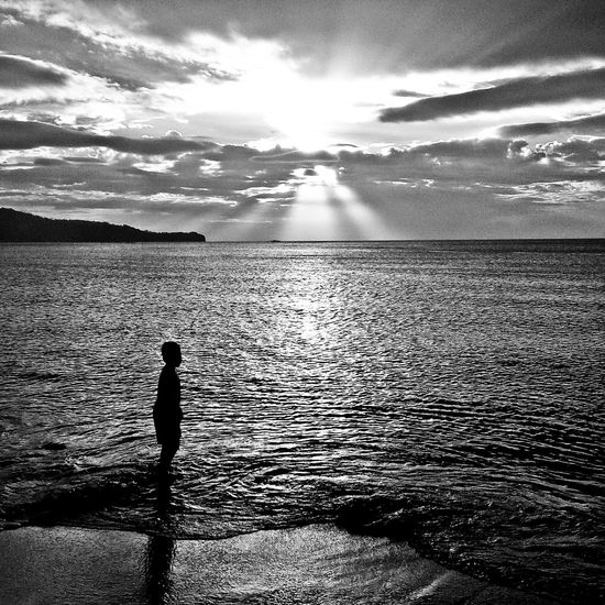 Beach View Blackandwhite Blackandwhitephotography Mobile Photography Mobilephotographyphilippines B&W Portrait