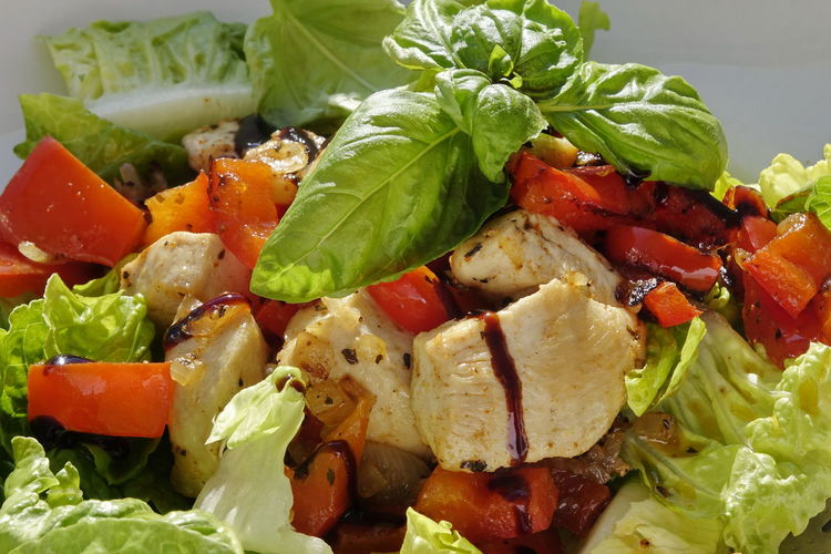 Chicken Close-up Day Food Food And Drink Freshness Healthy Eating Indoors  Leaf Lettuce No People Ready-to-eat Salad Tomato Vegetable