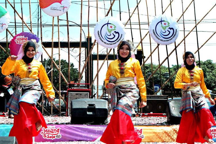 Perform Tari Melayu. Sanggar Seni Sri Gemala Laksamana - IPMKR Surakarta #IPMKRSurakarta #Melayu #Perform #Sanggar #Seni #SriGemalaLaksamana #Tari