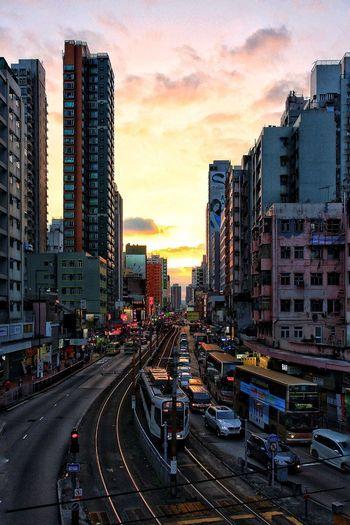 大馬路晚霞 Light Rail Train Light Rails Light Rail Tracks Day Evening Sunglow Yuen Long