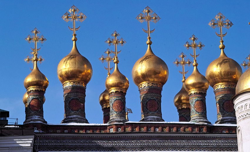 Golden tops Architecture Building Exterior Built Structure City Clear Sky Cultures Day Dome Gold Gold Colored Golden Domes Moscow In March No People Outdoors Place Of Worship Religion Russian Orthodox Church Sky Travel Destinations