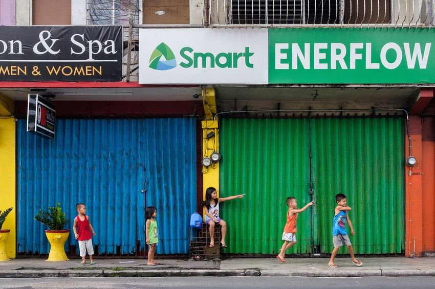 Colors Streetphotography Everybodystreet Street Life Eyeem Philippines People The Human Condition Streetphoto_color Street Photography Street EyeEm Lucena Children Philippines Colour Of Life Colours Traveling Home For The Holidays BYOPaper! The Street Photographer - 2017 EyeEm Awards Colour Your Horizn