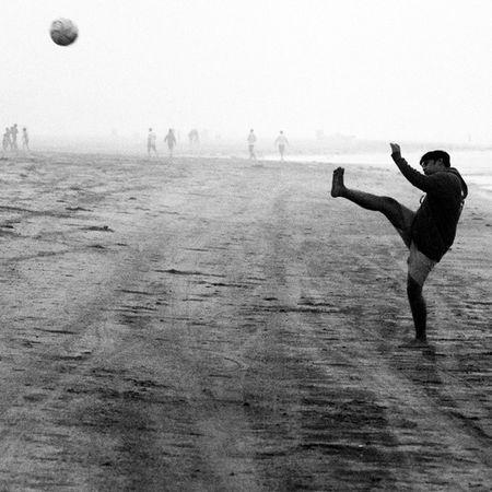 Kick. Clicked at Diveagar. Kick Football Randomness Momentsofmadness indianbeaches beach beautifulbeaches pointofview india maharashtra peopleofindia peopleportraits