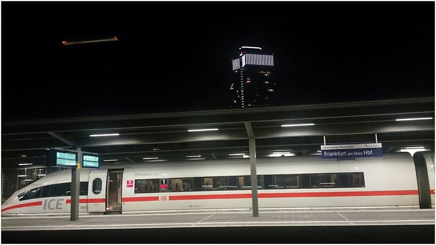 """Public Transportation Hello World For You ;-) Good Night World🌏Der ICE 120 """" Frankfurt a.M."""" steht im Hauptbahnhof von Frankfurt a.M. zur Abfahrt nach Amsterdam bereit"""