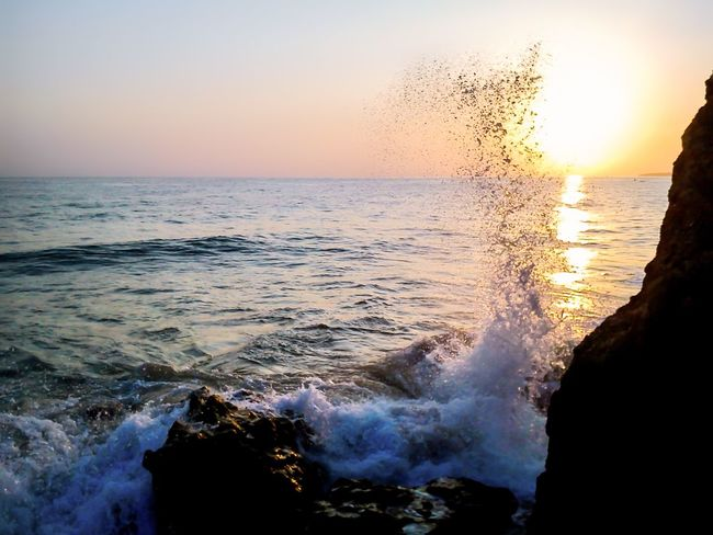 Golden Hour Sea Sunset Beauty In Nature Wave Water Nature Scenics Motion Splashing Clear Sky Sky Shore Fresh Wild Beautiful Beautiful Nature Golden Hour EueEm Nature Lover EyeEm Best Shots Eye4photography  EyeEmNewHere Summer Summertime Summer Vibes Sommergefühle
