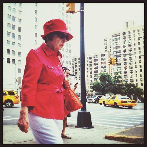 Walking Around Candid Street Style Streetphotography