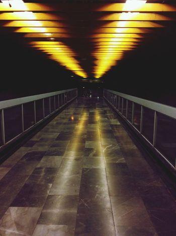Increíble vista de un pasillo en el metro de la Cuidad de México Mylife ♡ Cdmx Trip Beuty Enjoying Life Mexico City Cdmx 😀 Hello World Metro Urban Subway Subway Station Coyoacan Street Mexico DF Coyoacán