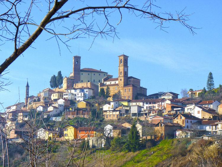 Built Structure Cisterna Cisternadasti City City Life Cityscape Cityscapes Italiancity Paese Di Montagna Piemonte Piemonte_best_pics Piemonte_city Piemonteturismo Sunny