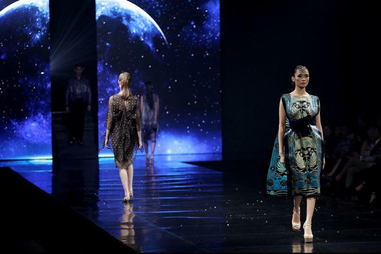Models On Catwalk At Fashion Show