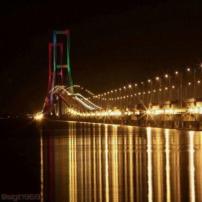 Jembatan Suramadu - Surabaya INDONESIA Bridge Ayodolan