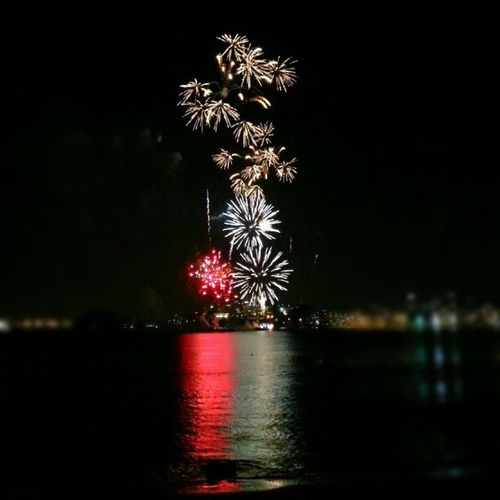 Fireworks 2013 NewYear Niterói RJ brasil