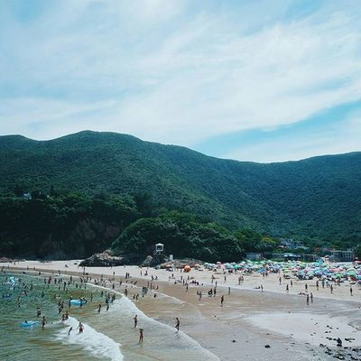 waves. | 熱浪 🌊 • catch the summer vibes as we hit the hottest day in this year so far. the highest temperature was 34.9° in town, and as high as 37° at sheung shui. • || Discoverhongkong | Instahikehk6 ||