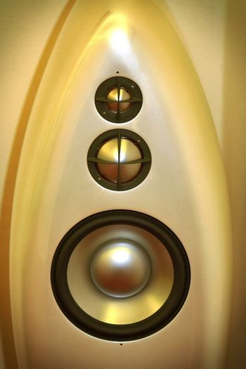 High end box Close Up Technology High End Lautsprecher Loudspeakers Technology Technik  Weiss White White Color Lieblingsteil The Graphic City Indoors  Circle No People Lighting Equipment Geometric Shape Illuminated Shape Light Close-up Reflection Electric Light Low Angle View Metal Design