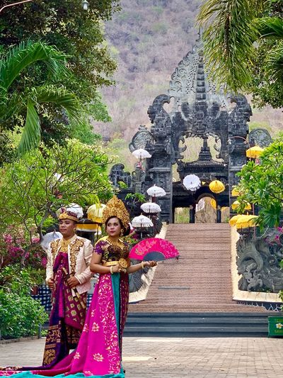 Balinese wedding Balinese Wedding Balinesewedding Balinese Women In Ceremonial Costume Balinese Culture Wedding Women Real People Clothing Built Structure Day Young Adult Standing Traditional Clothing Architecture Front View