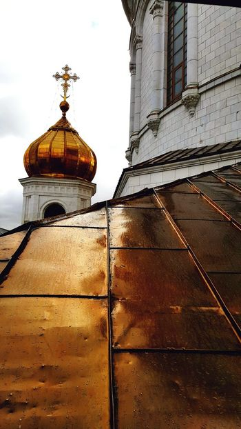 Architecture Built Structure No People Building Exterior Outdoors Day Sky Cloud - Sky Low Angle View Metal Roof Roof Place Of Worship Spirituality Cathedral Orthodox Orthodox Church Cathedral Of Christ The Savior Moscow Russia Dome
