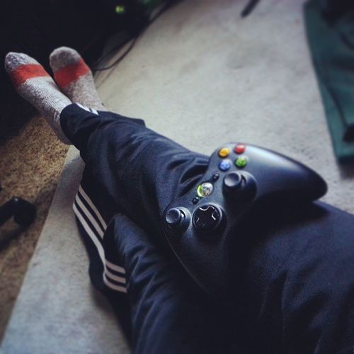 Sweatpants, video games, and no make-up kind of day. Phuckyomultiplayer