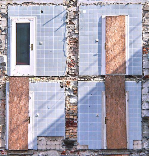 Dangerous Door to the Bathroom 😉 Abandoned Buildings Demolition Demolition Zone Global Photographers Alliance Global Photographer Works Exhibition Old House Pattern Fine Art Photography