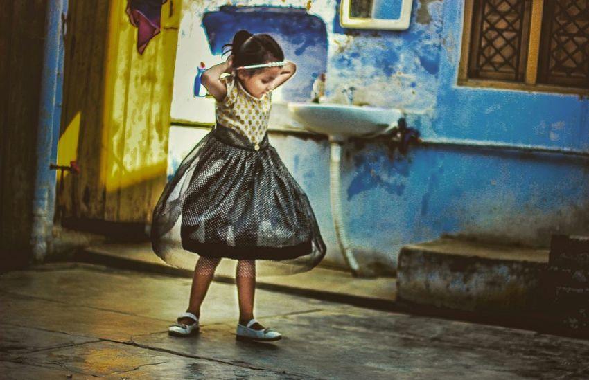 dance like no one is watching... Showcase July 43 Golden Moments Hello World Azfarphotography Azzydoon EyeEm Best Shots Enjoying Life Relaxing Eyephotograpghy Dehradun Worldwide_shot Wanderlust Dance Photography Kidsphotography Kids Portrait Indiapictures EyeEm Team EyeEm Gallery Riyadhphotographer Colour Of Life Be. Ready.