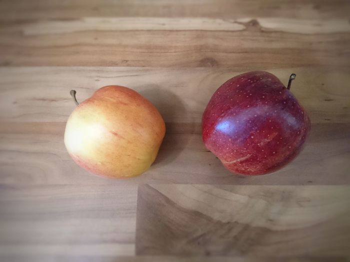 Healthy Eating Food Food And Drink Freshness Indoors  Fruit Red Table Vegetable Wood - Material No People Close-up Day Apple Fruits Apples Apple - Fruit